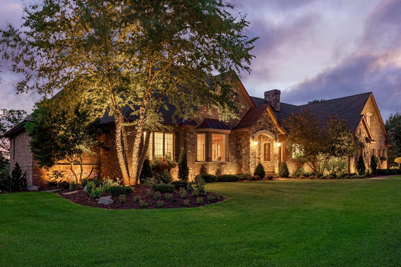 LIVIT stone cottage garden
