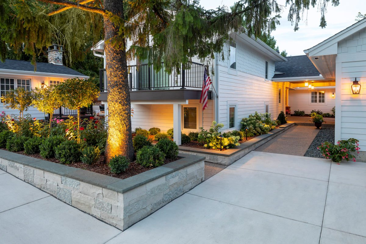 terraced plantings in Beach House Beauty front yard landscape by Tim Johnson at LIVIT